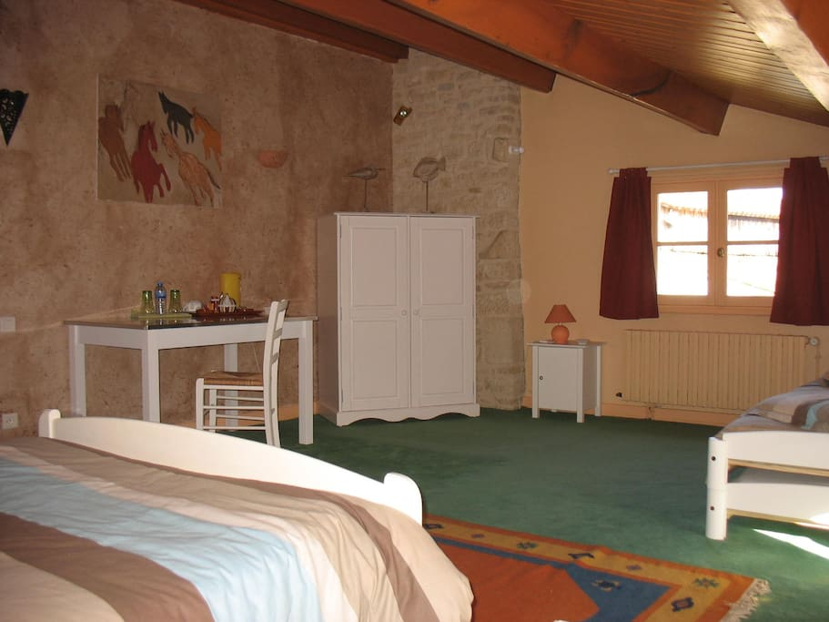 Chambre familiale marais poitevin houses for rent in for Chambre d hotes coulon marais poitevin