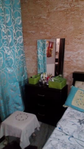 A/C Private Room with Attached Bath Room. - Faridabad - Apartment