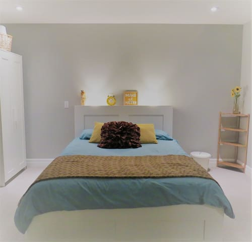Private Comfy Room in New Modern Home - Kitchener - Casa
