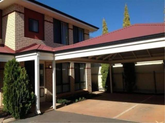 Trendy Town House! Walking distance to CBD!