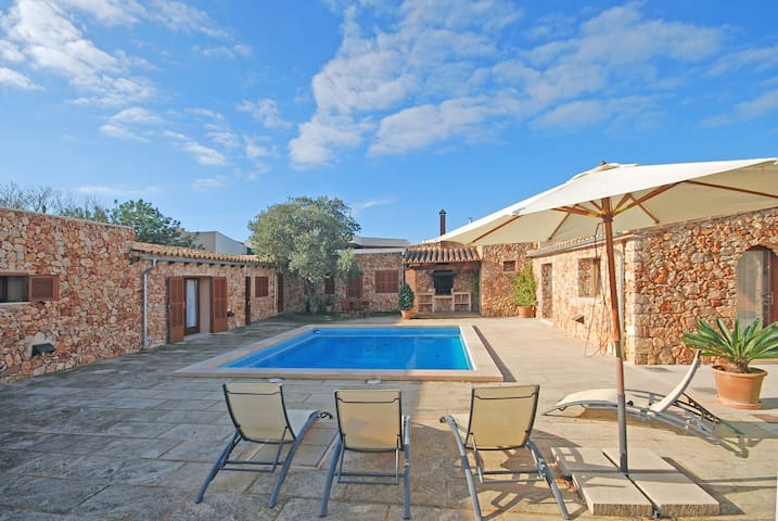HORTET 4 - Country house with swimmingpool in Campos