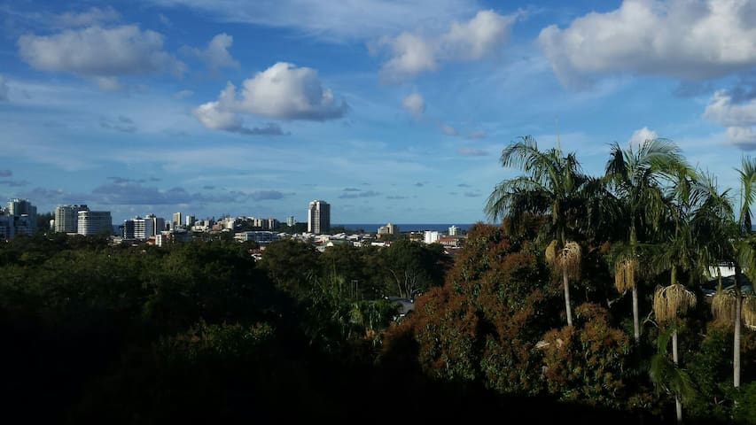 Ocean views in town! - Tweed Heads - Rumah