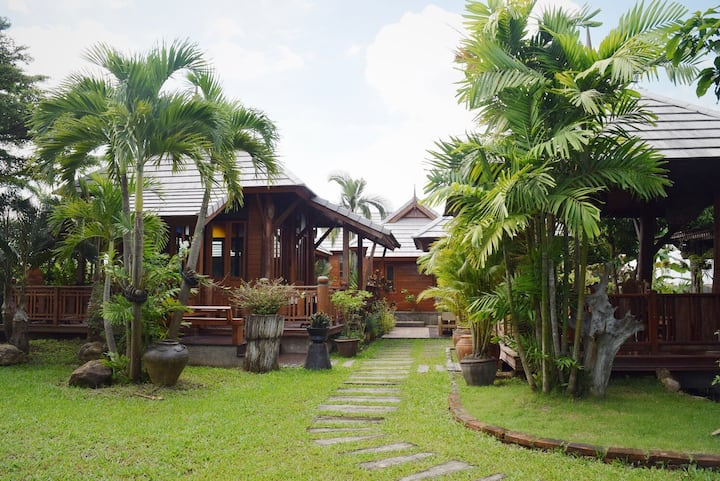 Thai-style home surrounded by nature @ Sankamphang