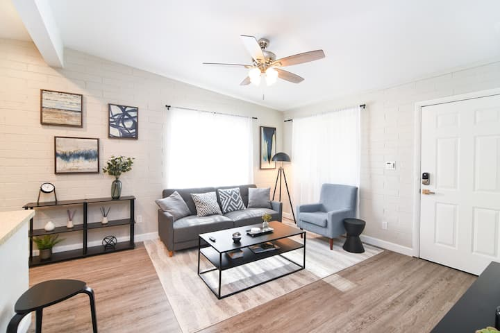 Cute Clean Tempe Home Close to ASU & Scottsdale