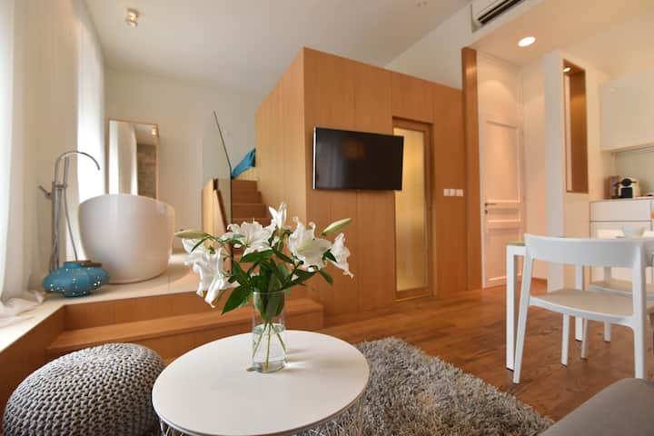 The Bridge Luxury Apartments****