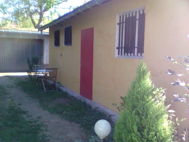 Studio 24m2 rez de jardin