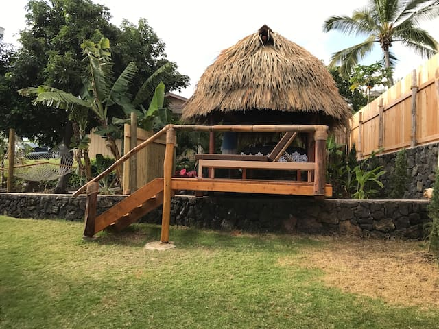 Relaxing And Romantic Authentic Hawaiian Tiki Hut
