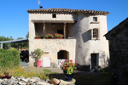 Gay and naturist Bed & Breakfast - Castelnau-Montratier