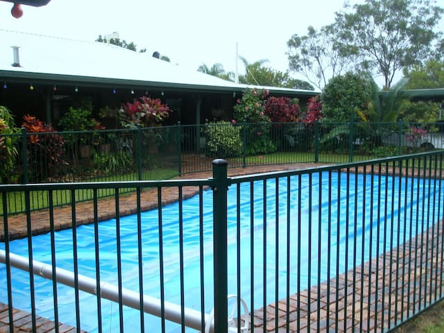 Unique Australian acreage experience