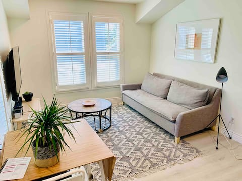 1 Bedroom downtown - Great for Business & Family