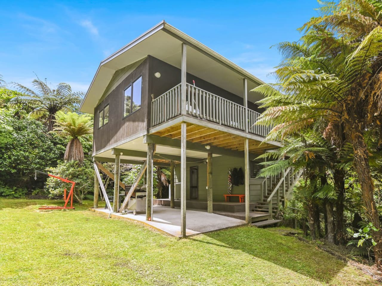 Ponga Forest Lodge Welcomes You!