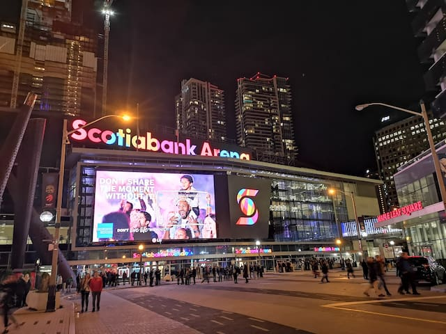 Town Flats Premier Condo by Scotia Bank Arena