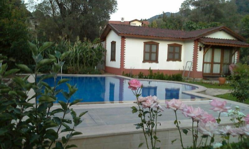 Gardenhouse&pool in paradise garden - Marmaris Hisarönü - House
