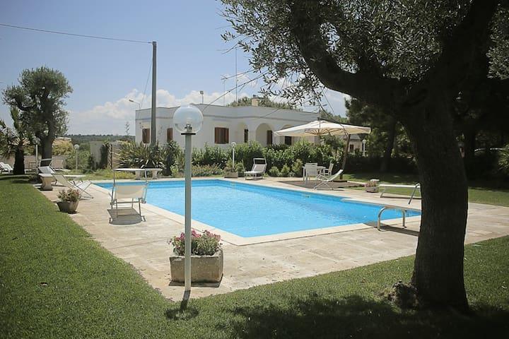 Luxury Villa for rent in Valle d'Itria  9 Beds - Locorotondo - Villa