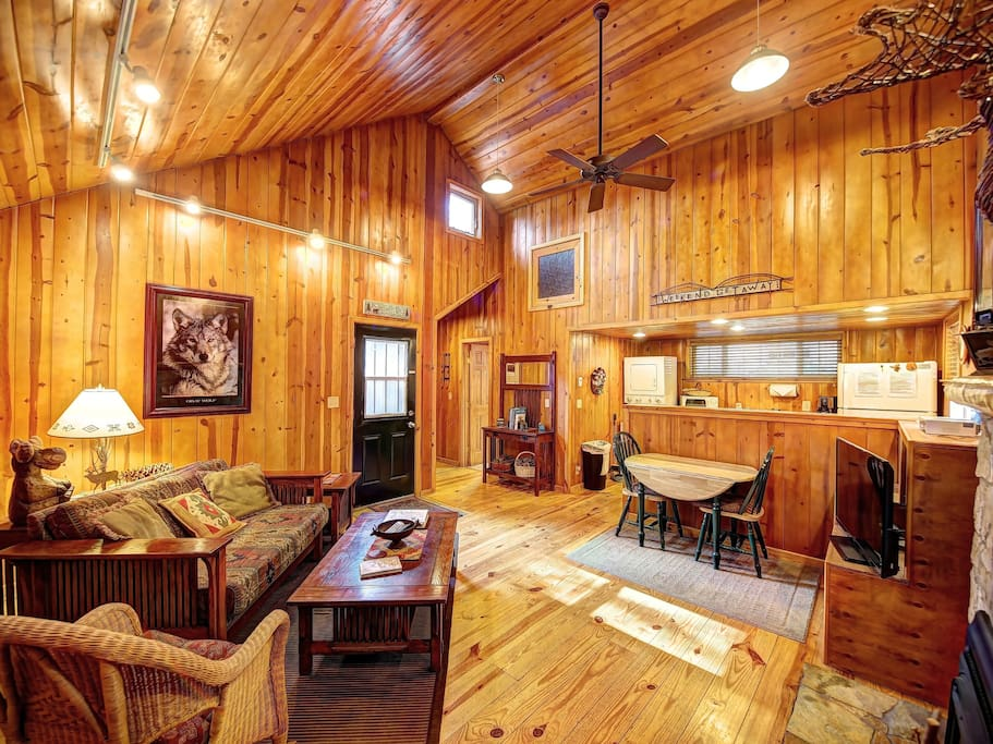 Private Getaway Cabin With Hot Tub Cabins For Rent In