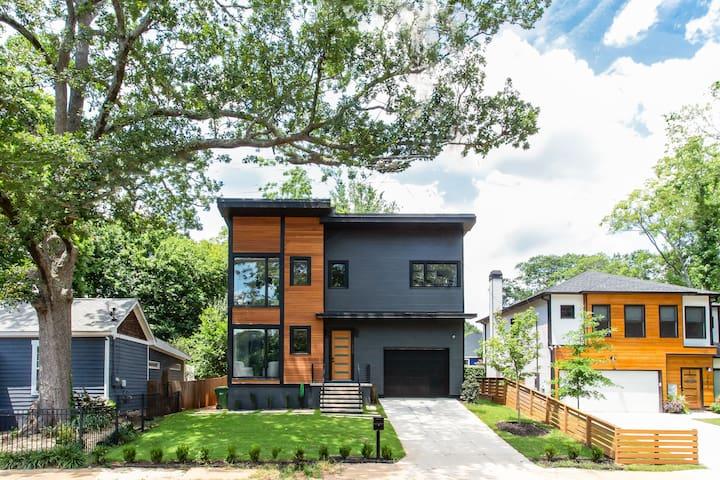 Sleek & Beautiful New Luxury Home In Atlanta