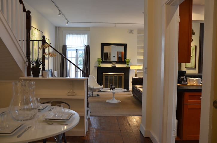 Venetian Palazzo In Bmore Fitzgerald Suite Apartments For Rent In Baltimore Maryland