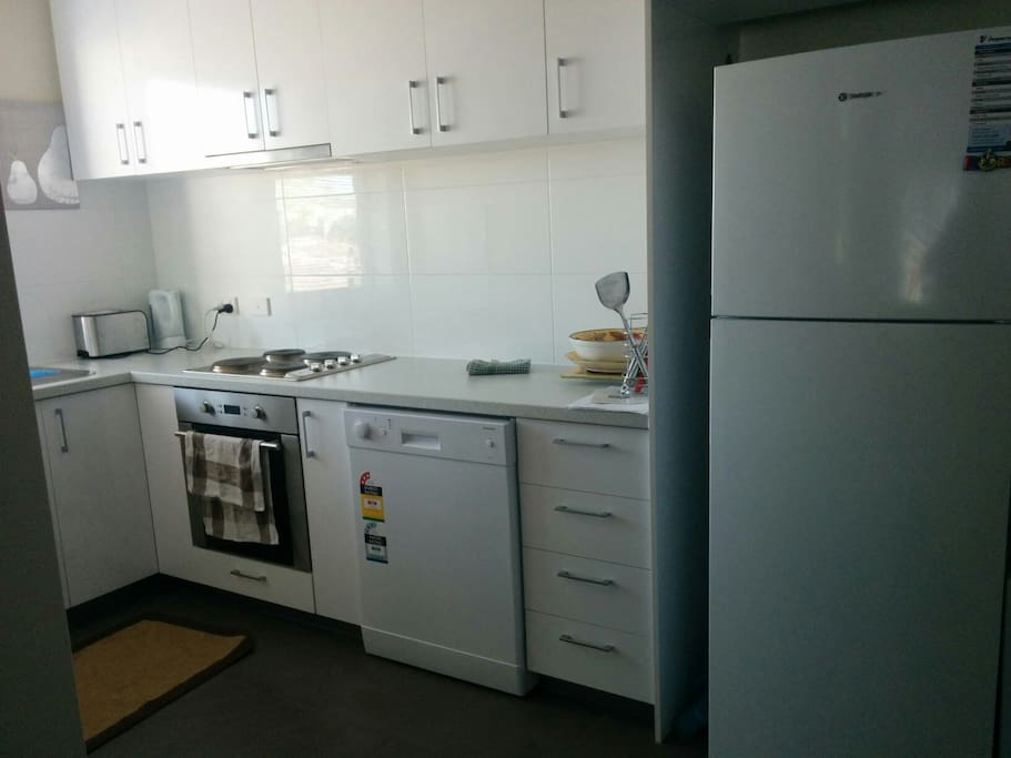 Kitchen Facilities available- pots/pans/cutlery