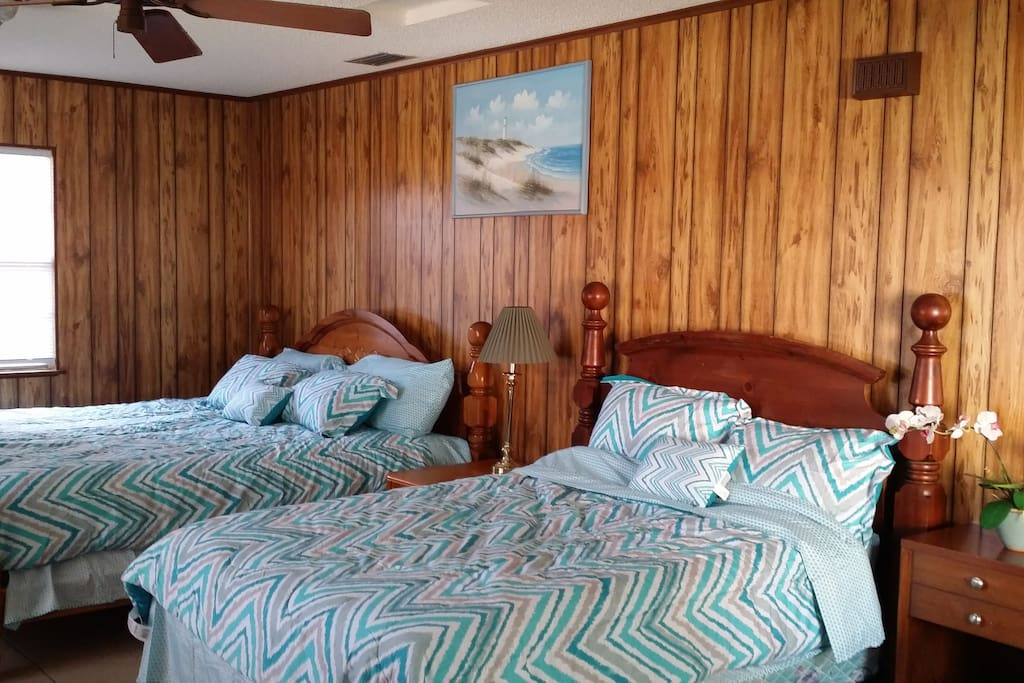 Large room with King and Full size bed