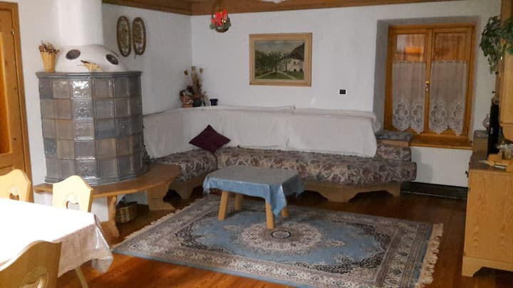 """Cozy Apartment """"Casa Doltra"""" with Mountain View & Garden; Parking Available"""