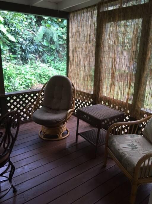 cushion wicker chairs
