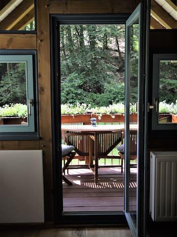 Naturnahe Wohnung im Pfälzerwald in Stadnähe
