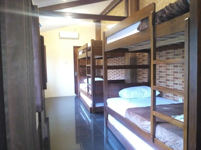 Villa Kemarang Family/Friends Shared Room, 23