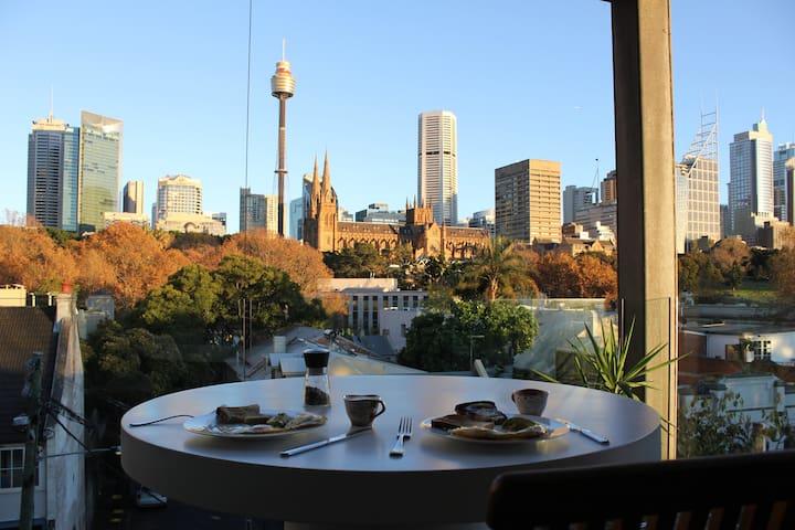 Designer 1 Bedroom Apartment + Spectacular Views