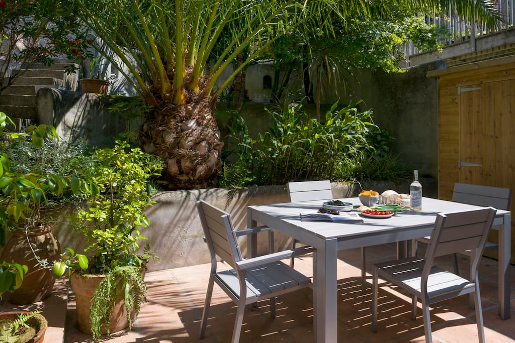 Coastguards - courtyard garden