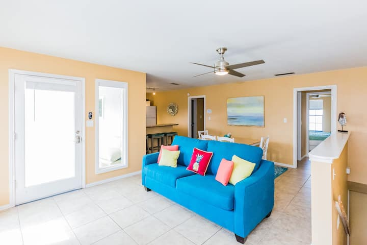 Steps to the Beach...3 Bdr Home w/ Pool & Hot Tub