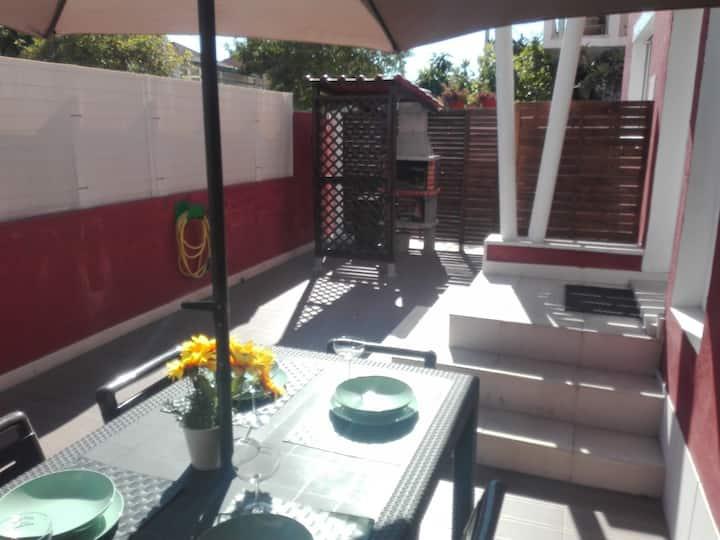 Lisbon Beach Apartments 1- Terrace, wifi, barbecue
