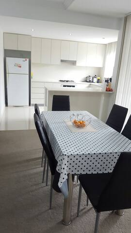 Cheap and Convinient accomodation - Parramatta - Apartemen