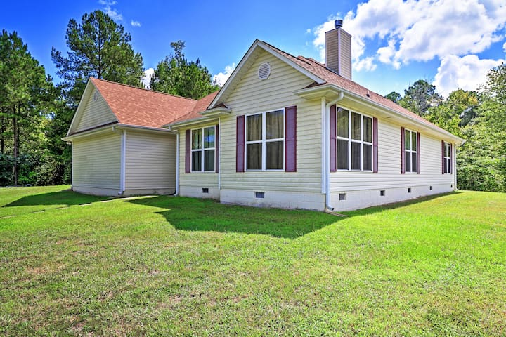 4BR Dry Branch House w/ 3 Fully Stocked Lakes!