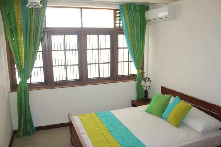 Cosy One Bedroom Apartment in Colombo.