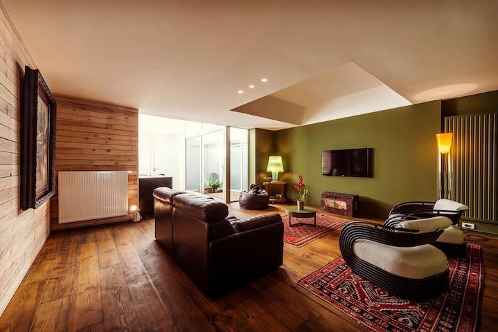 Ruim sfeervol appartement - Ghent - Apartment