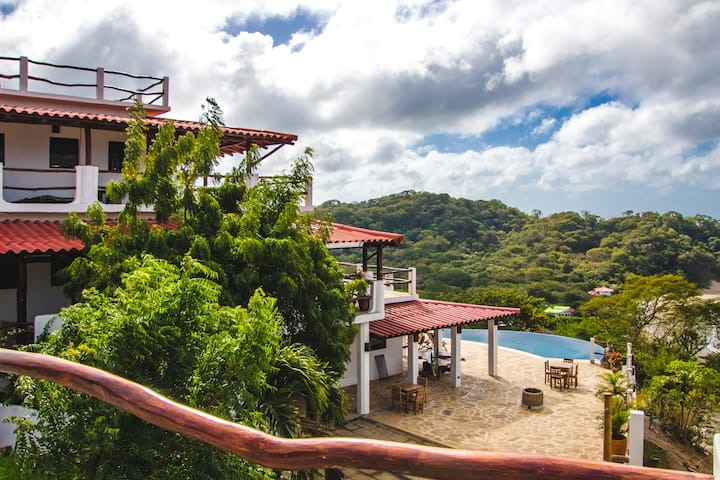 *NEW* BUDDHA ROC ACCOMMODATIONS - Pura Vista Villa