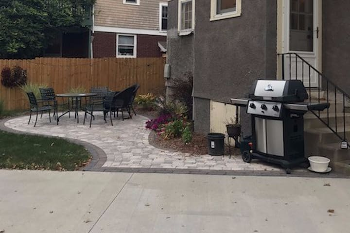 Backyard Patio & Grill