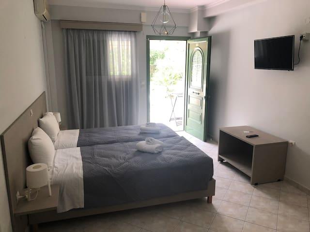 Spyridoyla Apartments 28