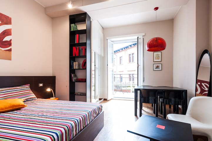 CENTRAL WITH TERRACE 70Style Studio - Mailand - Bed & Breakfast