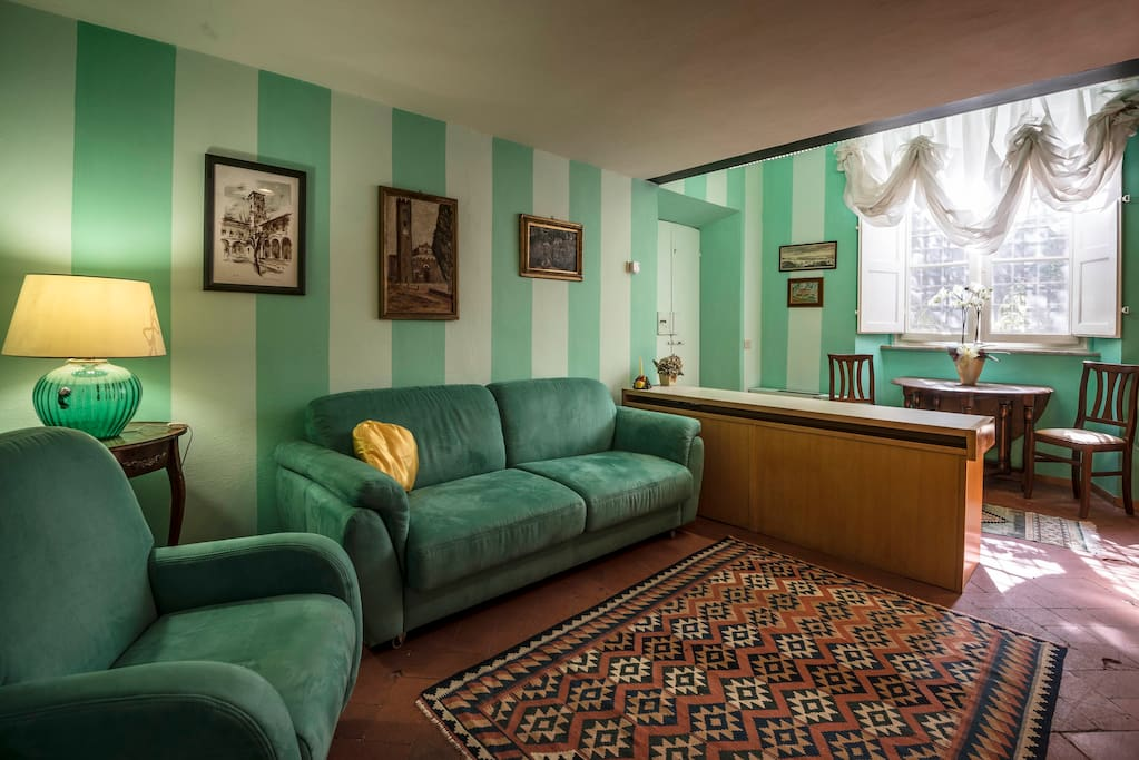 Living con sofa-bed