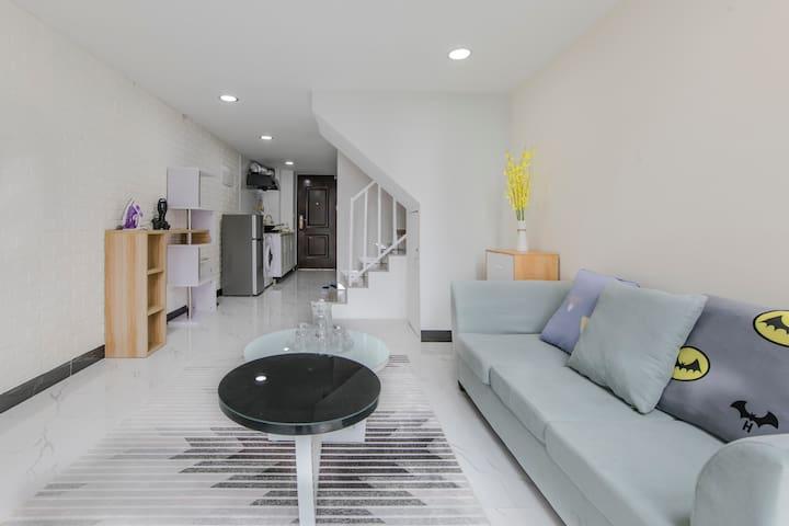 鼓楼宝龙城市广场LOFT复式 双床 北欧公寓整租