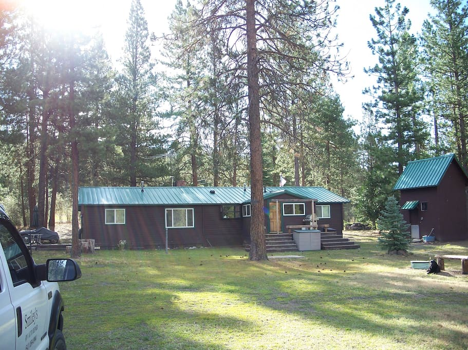 View of the back of the cabin