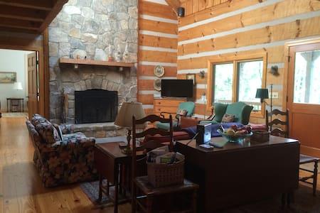 Log house in VA wine country - Hamilton - Casa