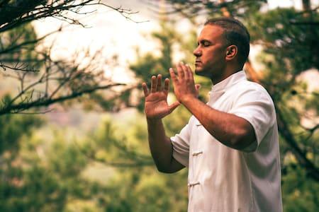 Detox, Self Defense & Meditations in an Oliv Farm