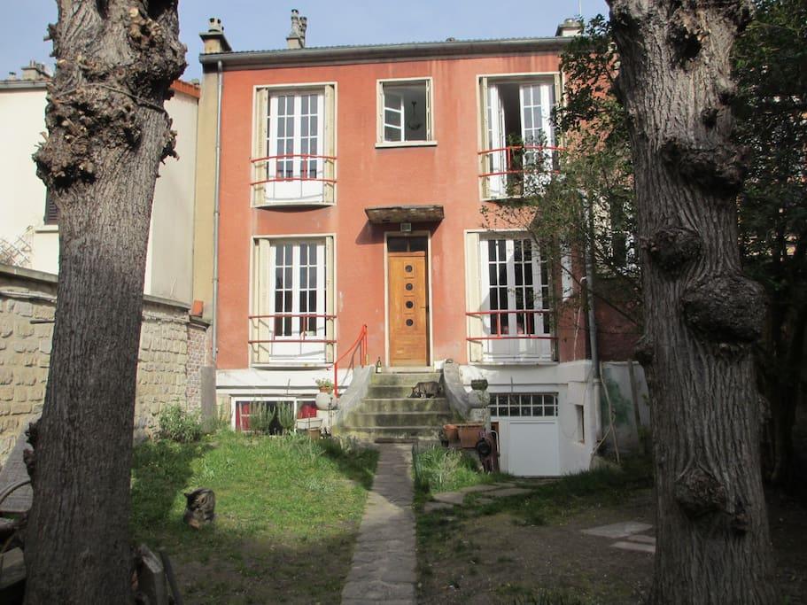 Maison individuelle avec jardin privatif