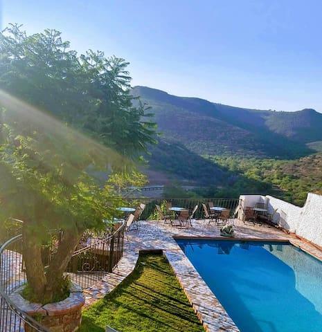 Habitación privada, alberca y hermosa vista.