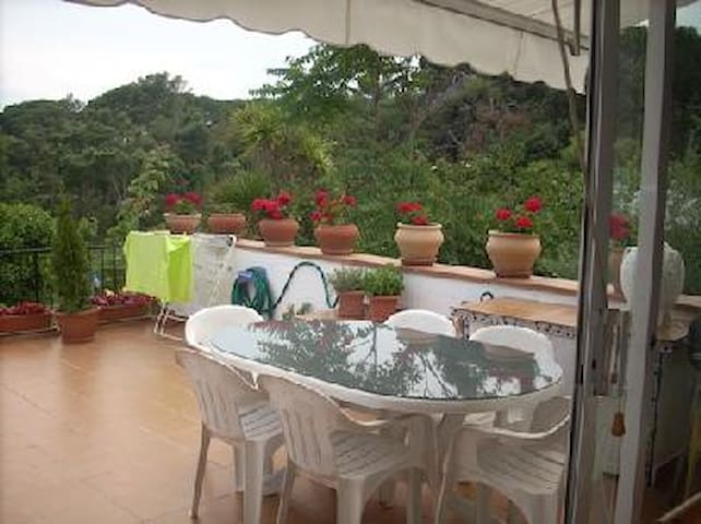 Cosy apartment with huge terrace  - Castell - Platja d'Aro - Huoneisto