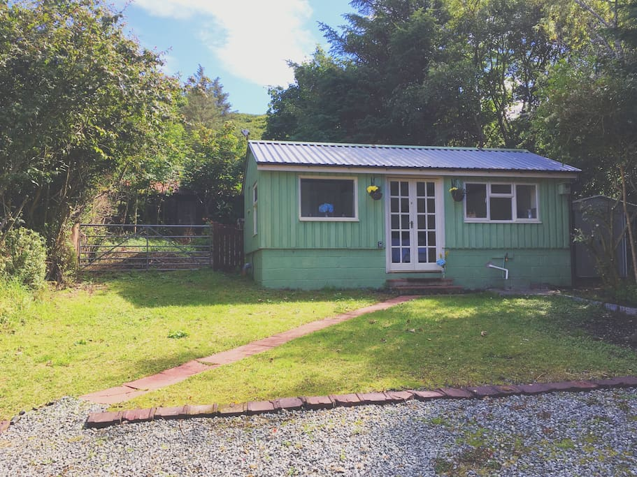 Donnie 39 s wee cabin cabins for rent in uig scotland for Glen haven co cabin rentals