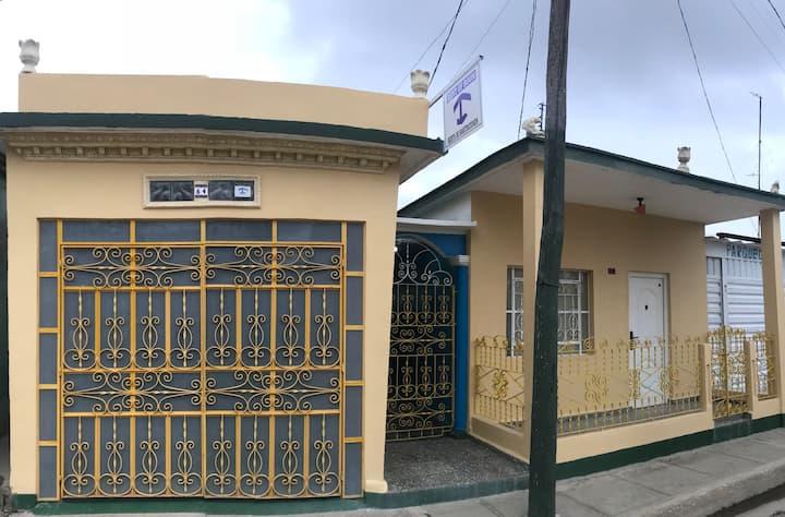 Doña Beidys,gimnacio garage y piscina free