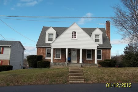 Spacious open home  - Waynesboro